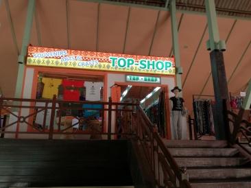 Senegambia Beach Hotel: small shop